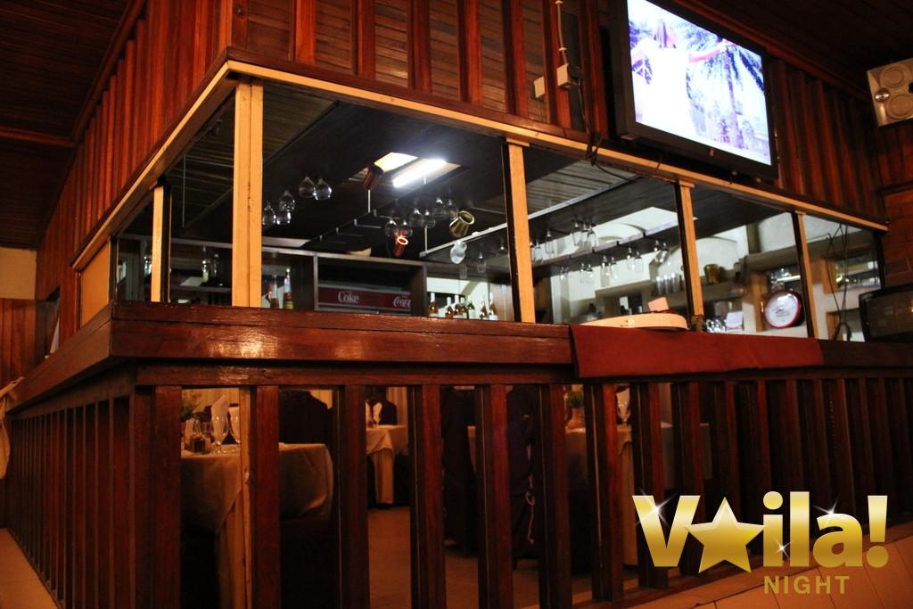 le delice restaurant grec kinshasa 13 voila night. Black Bedroom Furniture Sets. Home Design Ideas