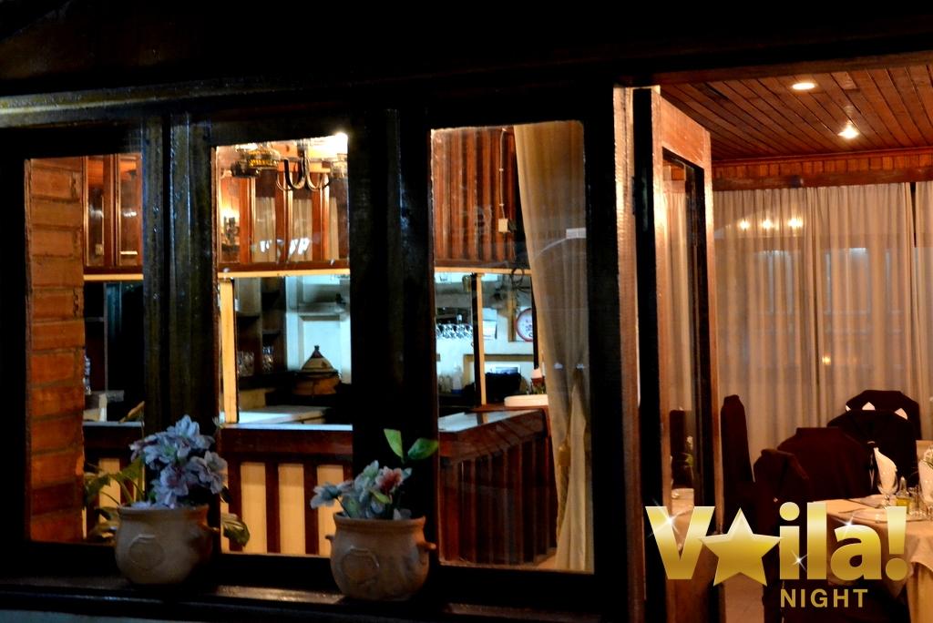 le delice restaurant grec kinshasa 3 voila night. Black Bedroom Furniture Sets. Home Design Ideas