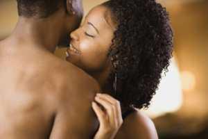 Caresser une femme amour [PUNIQRANDLINE-(au-dating-names.txt) 37