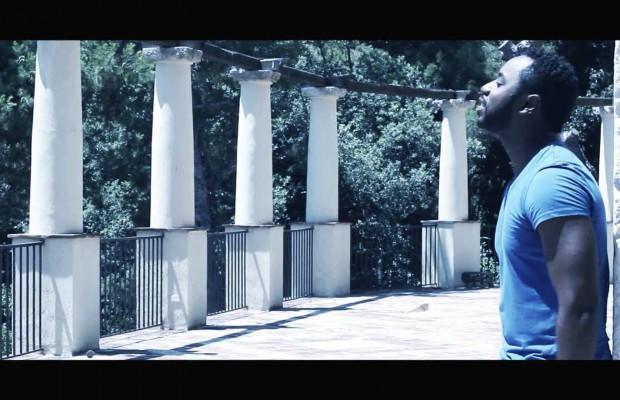 Mike Moore feat. Pegguy Tabu - Laisse-Moi Lire