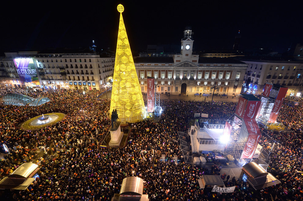 Des milliers de personnes fetent le nouvel an a Madrid