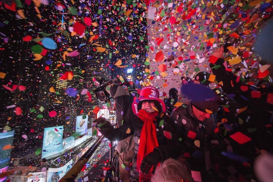 Confeties et feus d'artifices au Time Square a New York