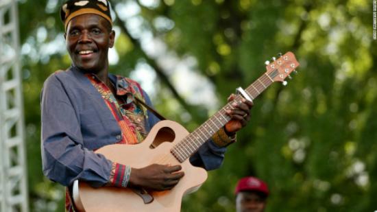 Oliver Mtukudzi (Zimbabwe)