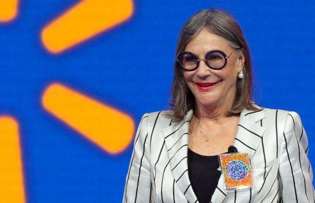 walmarts-alice-walton-is-the-richest-woman-in-the-world-heres-how-she-spends-her-437-billion-fortune