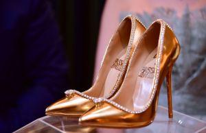 Une-paire-de-chaussures-a-17-millions-de-dollars-exposee-a-Dubai