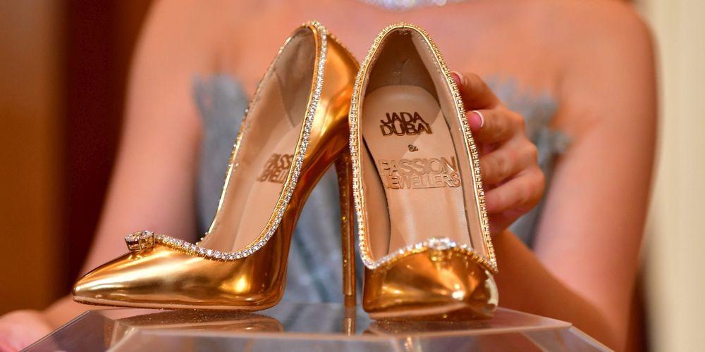 les-chaussures-ont-ete-concues-et-creees-en-italie-avec-236-diamants